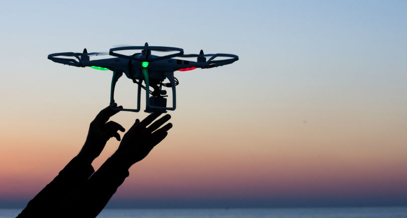 How to fly and control quadcopter